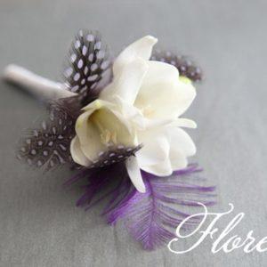 white_wedding_boutonniere