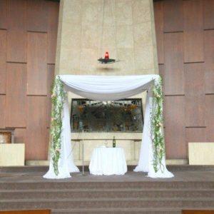 Chuppah At Adath Israel Congregation | Wedding Flowers Toronto